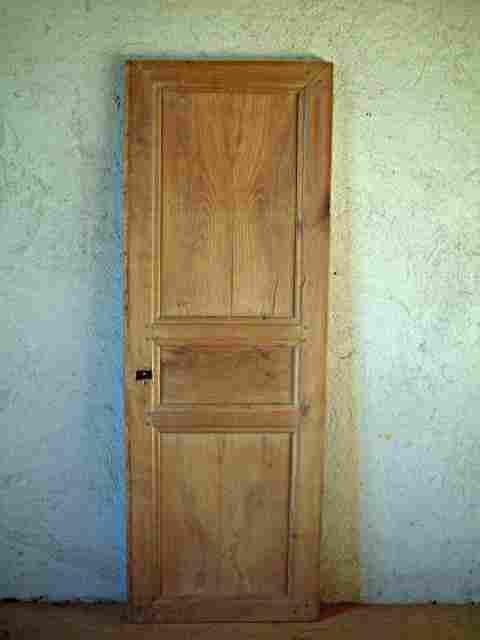 Une porte louis philippe en merisier restaurer for Meuble ancien une porte