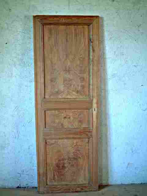 Une porte philipparde en orme 3 panneaux antiquites for Porte 3 panneaux