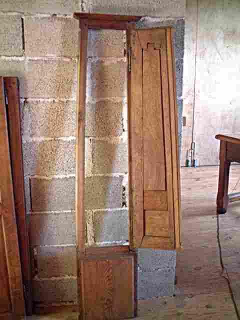 une porte de pendule ancienne avec cadre d 39 origine en merisier antiquites brocante meubles. Black Bedroom Furniture Sets. Home Design Ideas