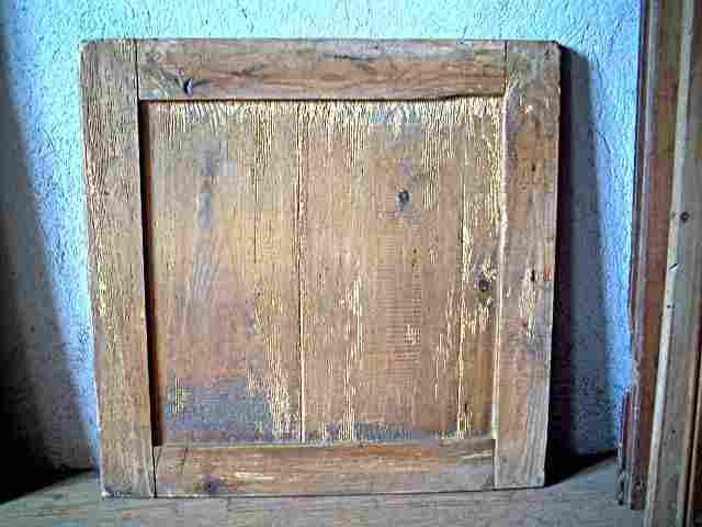 Une porte simple en sapin antiquites brocante meubles for Meuble ancien une porte