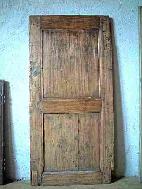 Une porte simple 2 panneaux en tilleul antiquites for Meuble ancien une porte