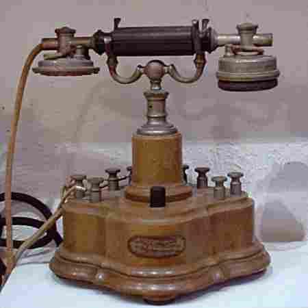 les t l phones mobiles et muraux de 1910 a 1919 histoire et t l phones d 39 autrefois. Black Bedroom Furniture Sets. Home Design Ideas
