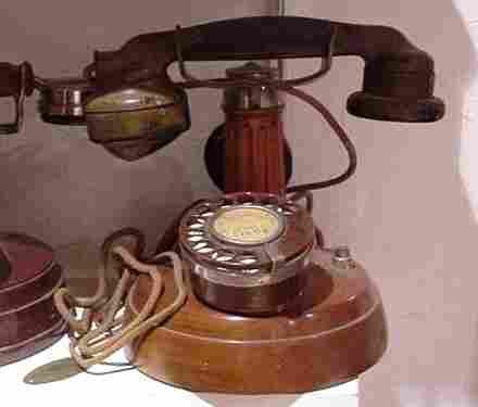 les anciens t l phones la marque dunyach et leclerc histoire et t l phones d 39 autrefois. Black Bedroom Furniture Sets. Home Design Ideas