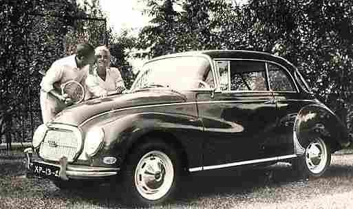 photos originale voitures de collection page 2 documents anciens v1. Black Bedroom Furniture Sets. Home Design Ideas