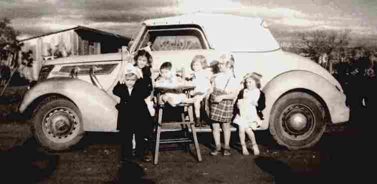 recherche mots cl s famille photos anciennes et photographies d 39 poque en noir et blanc. Black Bedroom Furniture Sets. Home Design Ideas
