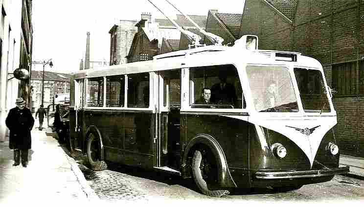 cars bus omnibus etc photos anciennes et d 39 autrefois photographies d 39 poque en noir et bl. Black Bedroom Furniture Sets. Home Design Ideas
