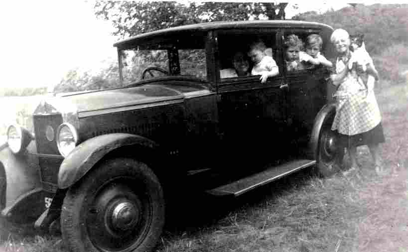 photos originale voitures de collection page 19 documents anciens v1. Black Bedroom Furniture Sets. Home Design Ideas