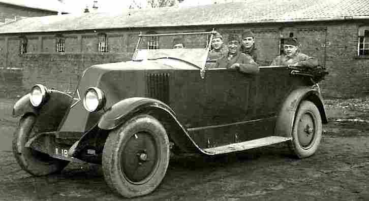 photos originale voitures de collection page 23 documents anciens v1. Black Bedroom Furniture Sets. Home Design Ideas