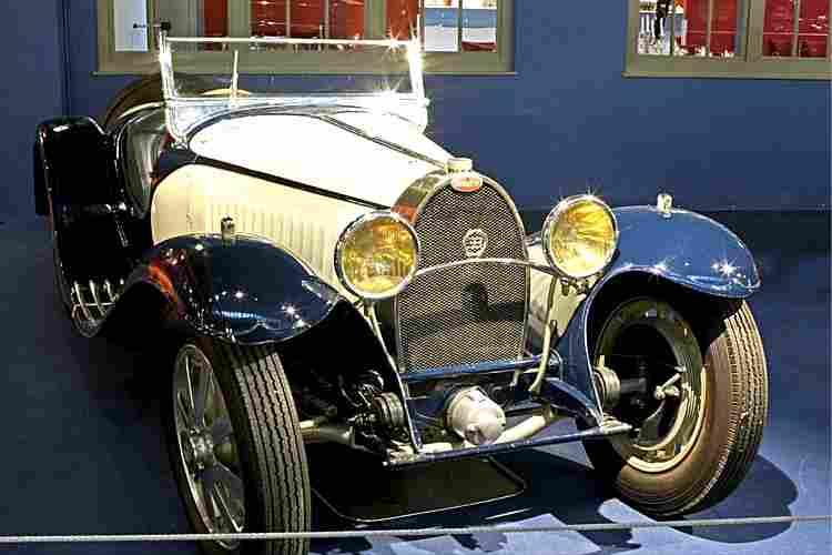 bugatti grand sport type 55 voiture routi re 1932 voitures anciennes de collection v2. Black Bedroom Furniture Sets. Home Design Ideas