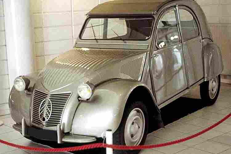 citroen 2 cv voiture routi re de 1948 voitures anciennes de collection v2. Black Bedroom Furniture Sets. Home Design Ideas