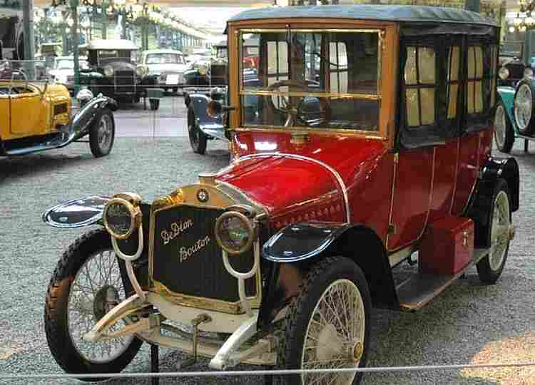 http://www.antiqbrocdelatour.com/Les-collections/voitures-anciennes/1-images/De%20Dion-Bouton%20Type%20DH.jpg