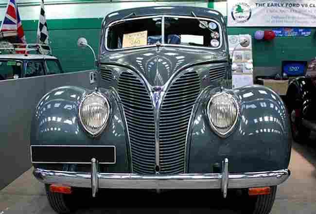 ford v8 30 voiture routi re de 1932 voitures anciennes de collection v2. Black Bedroom Furniture Sets. Home Design Ideas