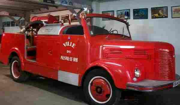 hotchkiss 680 camion pompier 1946 voitures anciennes de. Black Bedroom Furniture Sets. Home Design Ideas