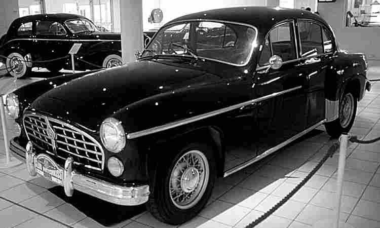 hotchkiss monceau voiture routi re de 1954 voitures anciennes de collection v2. Black Bedroom Furniture Sets. Home Design Ideas