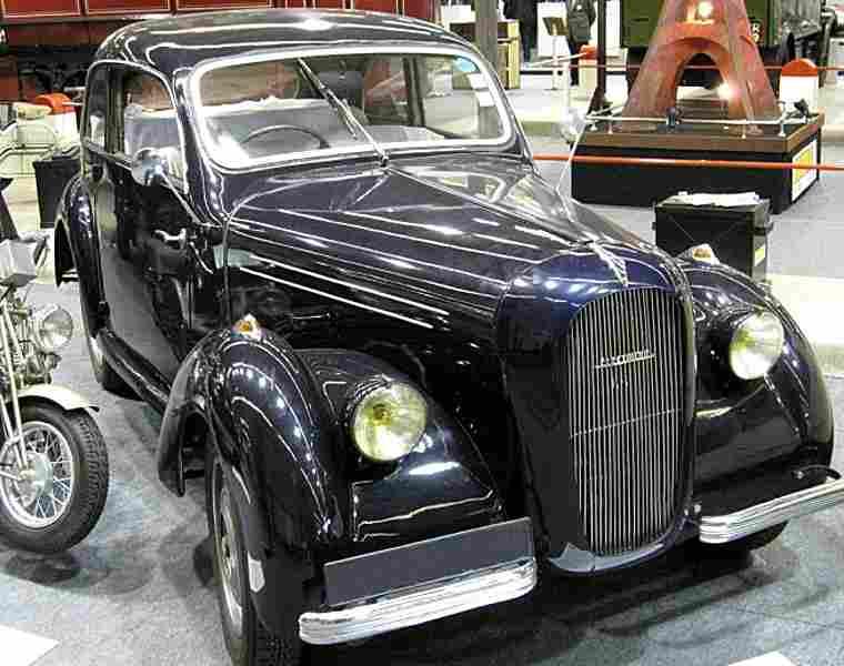 corre la licorne milde krieger lectrique 1941 voitures anciennes de collection v2. Black Bedroom Furniture Sets. Home Design Ideas