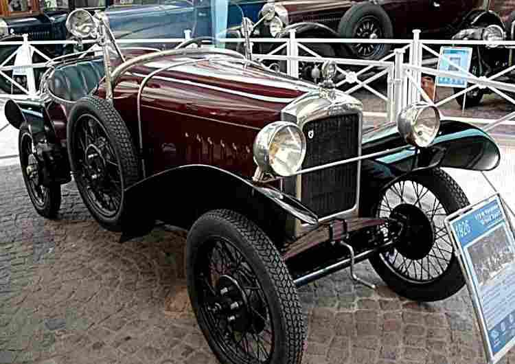 peugeot 172 r voiture de course de 1926 voitures anciennes de collection v2. Black Bedroom Furniture Sets. Home Design Ideas
