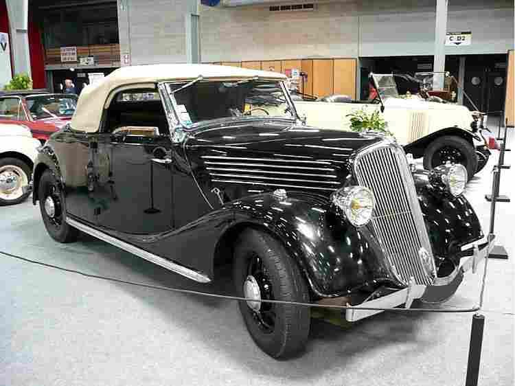 renault primaquatre acl 1 voiture routi re 1935 voitures anciennes de collection v2. Black Bedroom Furniture Sets. Home Design Ideas