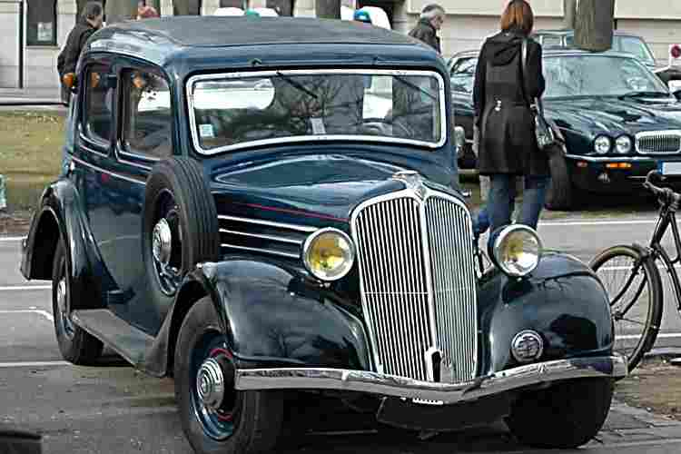renault primaquatre kz24 voiture routi re de 1935 voitures anciennes de collection v2. Black Bedroom Furniture Sets. Home Design Ideas