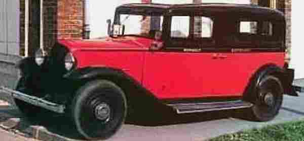 Renault taxi g7 et kz 11 voiture routi re 1933 for Garage des taxis g7
