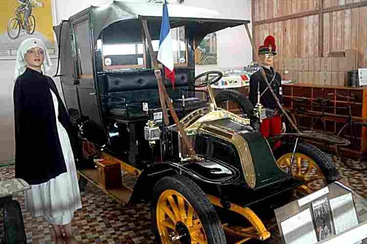 renault type ag et ag1 voiture routi re 1905 voitures anciennes de collection v2. Black Bedroom Furniture Sets. Home Design Ideas