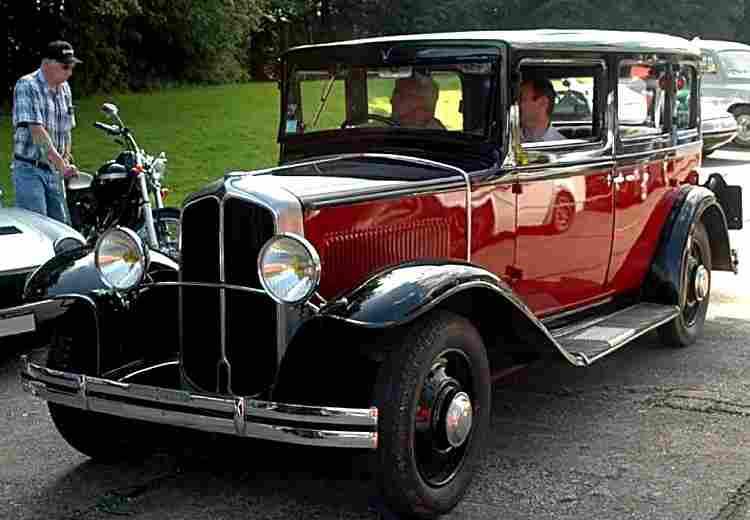 renault vivaquatre kz7 voiture routi re de 1932 voitures. Black Bedroom Furniture Sets. Home Design Ideas
