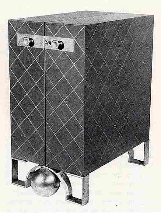 les meubles d 39 appoint en images meubles anciens une. Black Bedroom Furniture Sets. Home Design Ideas