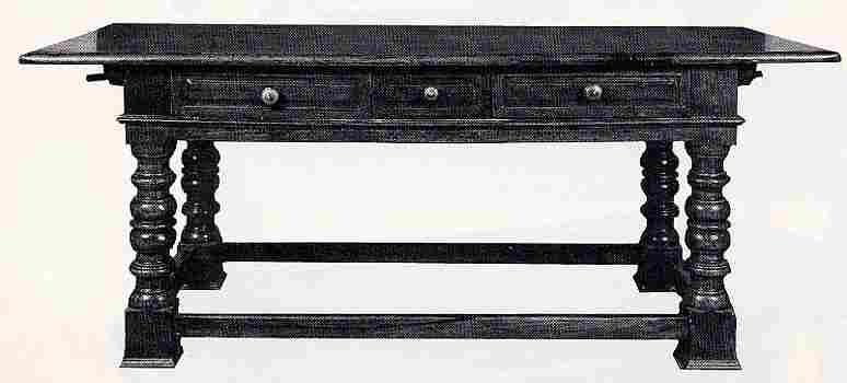 les tables en images les meubles anciens une valeur refuge. Black Bedroom Furniture Sets. Home Design Ideas