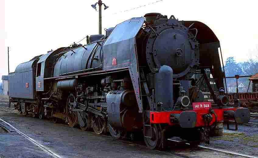 la locomotive a vapeur 141 r de la sncf locomotives l gendaires trains de l gende. Black Bedroom Furniture Sets. Home Design Ideas