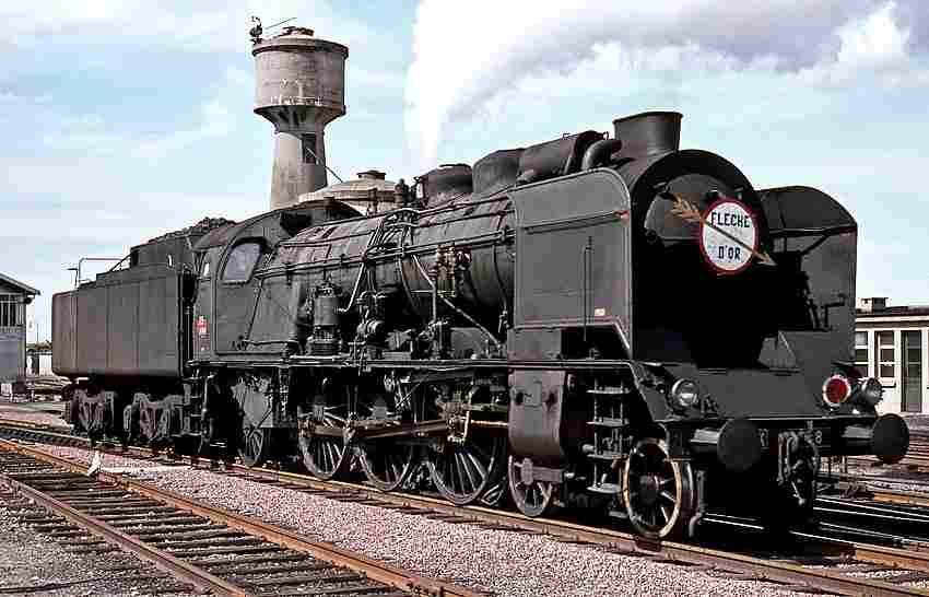les locomotives a vapeur pacific plm la 231 k8 locomotives l gendaires trains de l gende. Black Bedroom Furniture Sets. Home Design Ideas